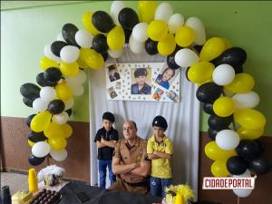 Policiais Militares do destacamento de Juranda fazem surpresa em aniversário de criança neste domingo, 28