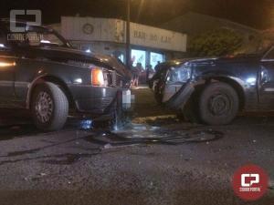 Grave acidente deixa três pessoas com ferimentos em cruzamento na área central de Goioerê