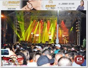 Centenas de pessoas assistem Show da Dupla Conrado e Aleksandro em Moreira Sales