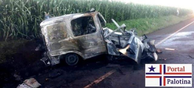 Motorista de ambulância morre carbonizado após colisão com caminhão em Nova Aurora