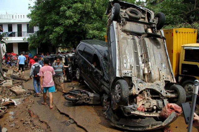 Inundações na capital da Indonésia deixam pelo menos 16 mortos