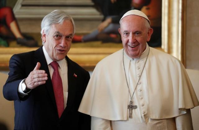 Papa afasta da Igreja outros dois bispos chilenos por abusos sexuais