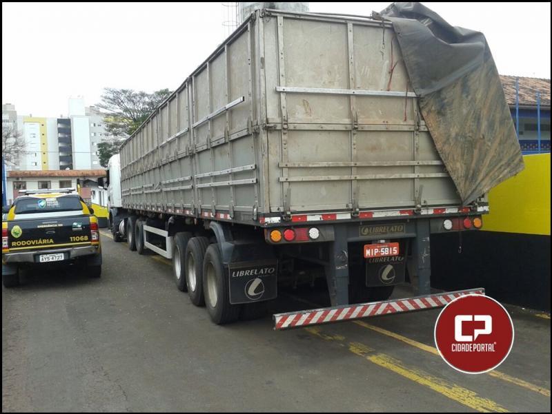 Posto da Polícia Rodoviária de Cascavel 3ª Cia/BPRv apreende carreta carregada com 600 caixas de cigarro