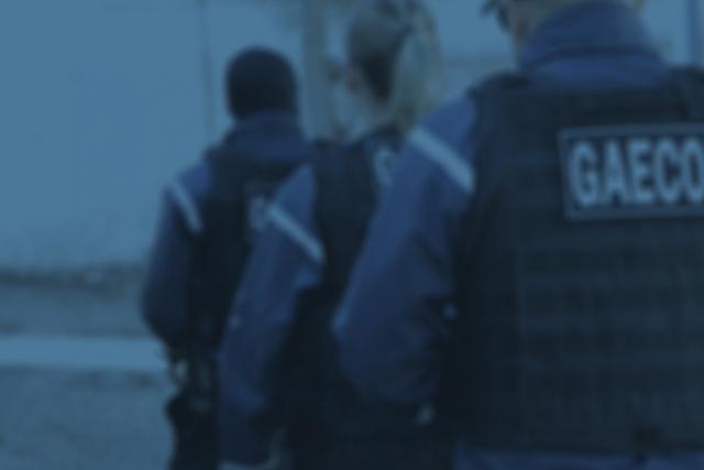 Gaeco cumpre mandados em operação contra golpes pela internet