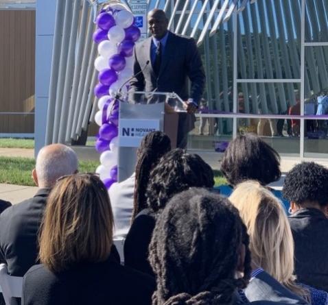 Michael Jordan inaugura clínica médica gratuita para pessoas de baixa renda nos EUA