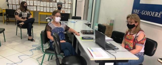"""Chefia e Coordenadoras do NRE de Goioerê participam do evento remoto """"Conversa com o DAP"""""""