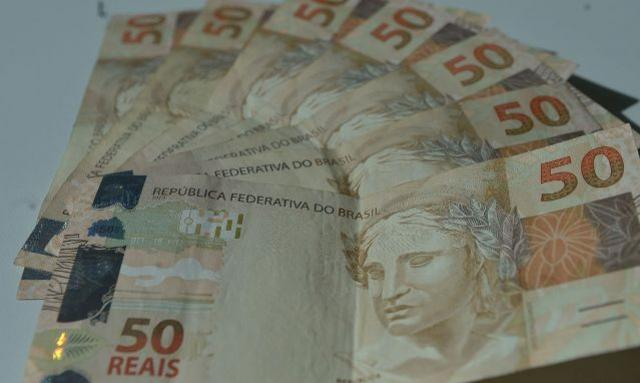 Inflação provoca alta de 14,2% na busca por crédito, aponta Serasa