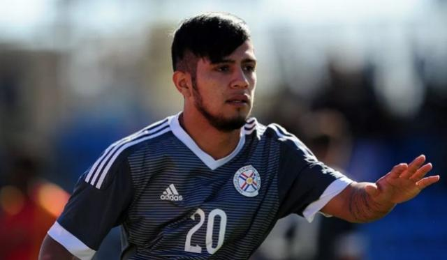 Corinthians adota cautela e acredita que Sergio Díaz vai levar um mês até estrear