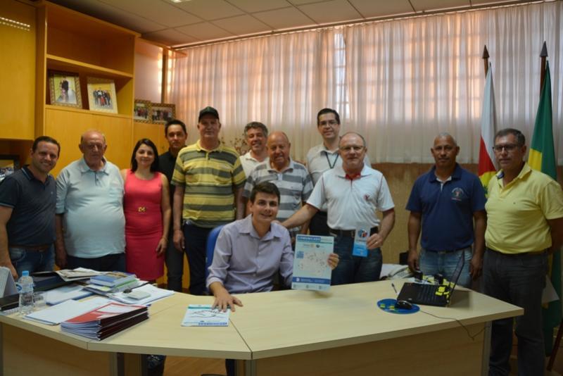 Prefeito Sales Rafael Bolacha recebe a visita de Rotarianos de Moreira Sales