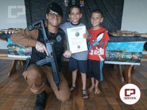 Policiais Militares do BPFRON participam de festa temática de menino que sonha ser Policial