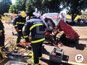Grave acidente na PR-180 deixa pai e filho feridos