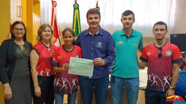 Administração de Moreira Sales homenageia atletas dos 66º Jogos Escolares do Paraná