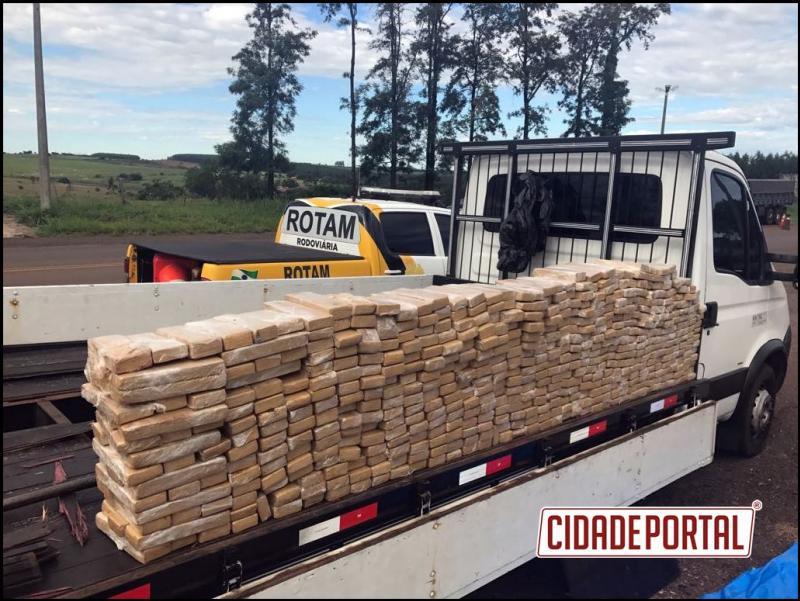 ROTAM da 3ª Cia/BPRv prende caminhão com 380 KG de maconha na PR-323 em Cafezal do Sul