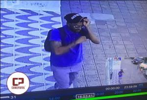 Câmeras de segurança registram assalto em relojoaria de Moreira Sales
