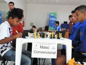 Árbitro de renome internacional prestigia domingo de disputas dos JOJUPS em Francisco Beltrão