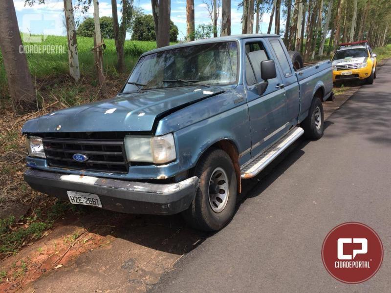 Após denúncia anônima Polícia Militar de Moreira Sales recupera camioneta furtada em Umuarama