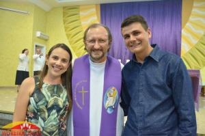 Prefeito Rafael Bolacha acompanha posse do novo pároco de Moreira Sales, Pe. Ivan