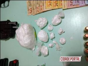 Polícia Militar de Iporã prende uma pessoa com duas pistolas, drogas e dinheiro