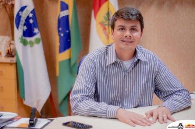 Servidores municipais de Moreira Sales terão reajuste salarial de até 12,84%