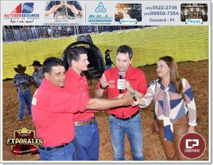 Milhares de pessoas lotam parque de Exposições para abertura do Rodeio e Show de Bruno e Barreto